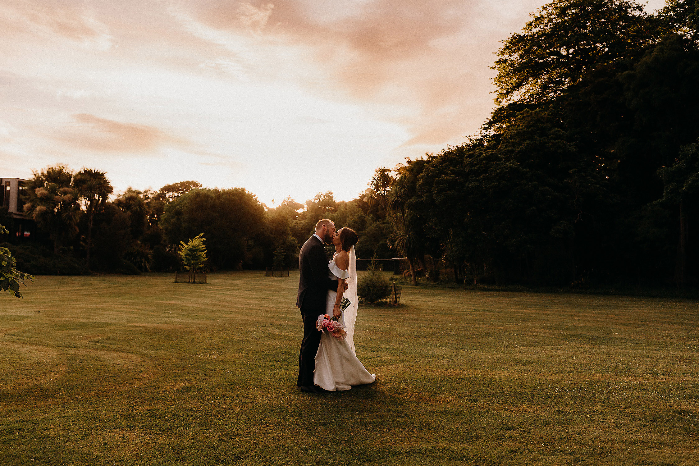 bride and groom sunset wedding photographer christchurch
