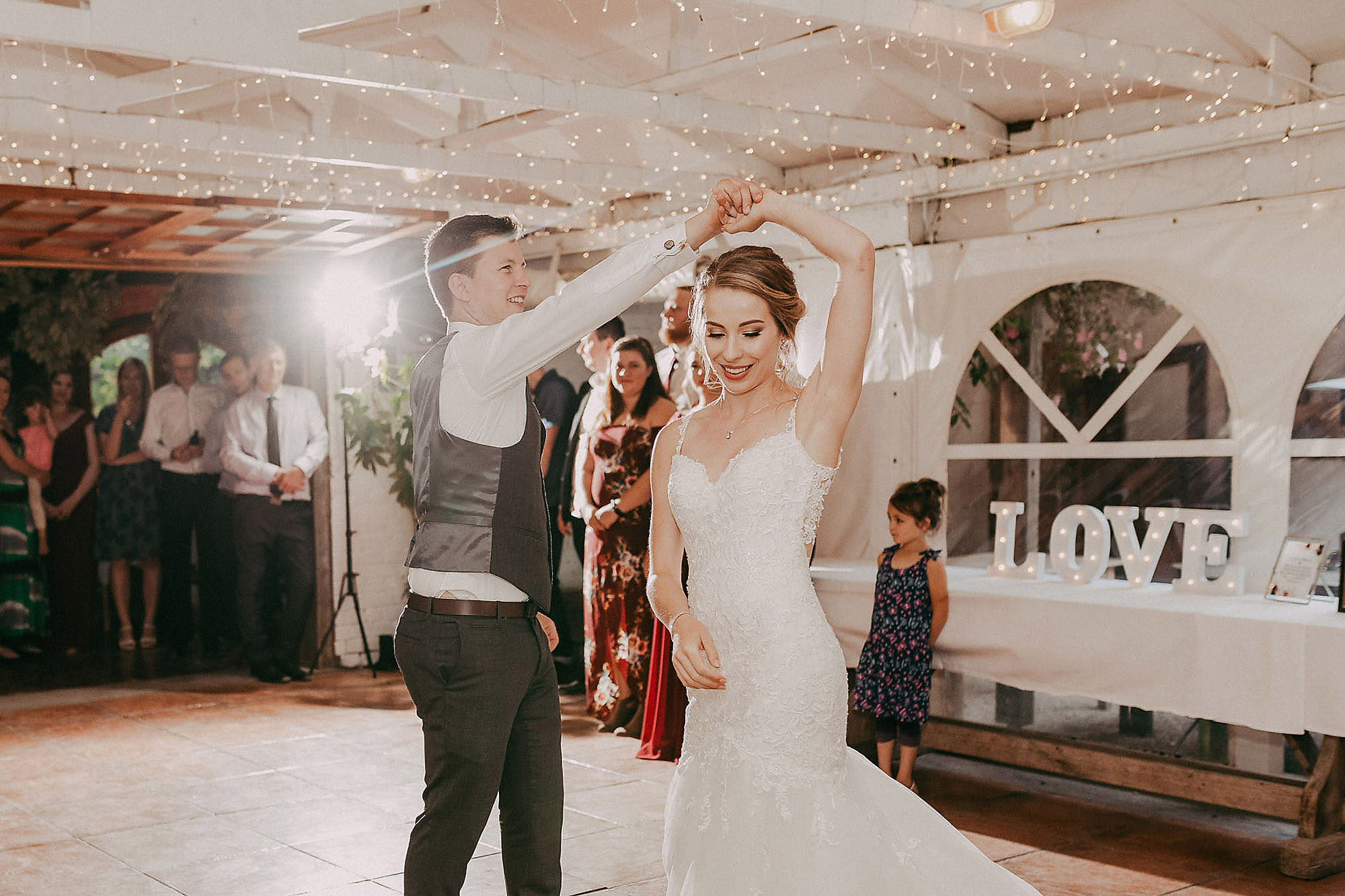 bride and groom first dance at trents vineyard christchurch wedding photographer